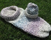 Light n Lovely Baby Cocoon - Knitted Baby Pod with Matching Hat in Tudor