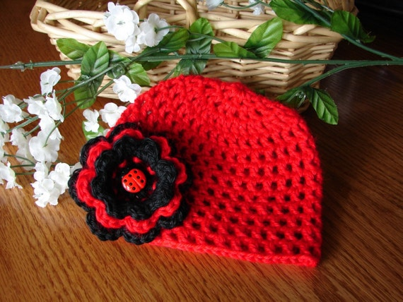 Baby Ladybug Flapper Hat - Beanie in Red and Black with a Three-Layered Flower