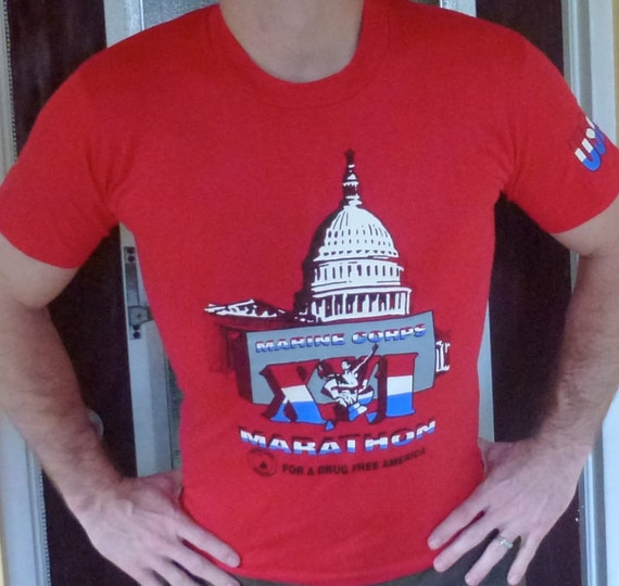 VIntage tee Washington DC Marine Corps Marathon 1992 - red t-shirt size medium