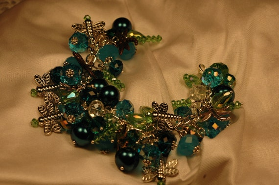 Dragonfly chunky cluster charm barcelet , dragonfly charm bracelet, chunky charm bracelet