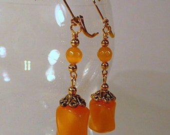Tangerine Moonglow Earrings, beaded dangle earrings, orange vintage moonglow beads, goldtone, leverbacks, clip on earrings