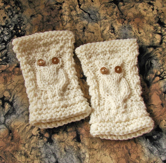 Fingerless Gloves with White Owls / Off-White / Girls and Women / Harry Potter Inspired