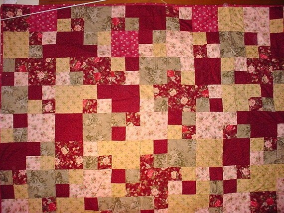 Double Bed Quilt / Full size bed quilt  Flannel Floral Quilt  17