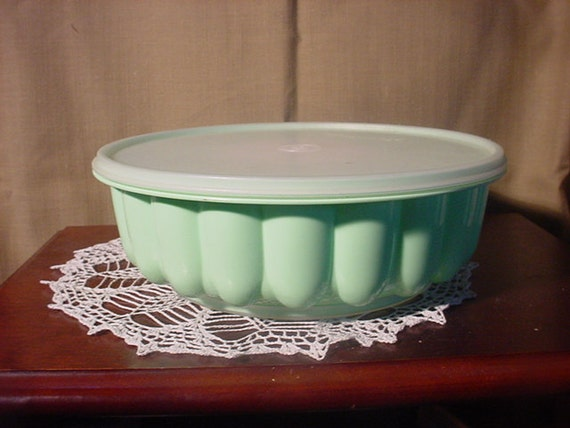 Tupperware Jello Mold Mint Green Vintage