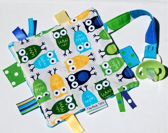 Pacifier Clip - Tag Blanket for Baby Boy - Urban Owl - Ribbon blanket