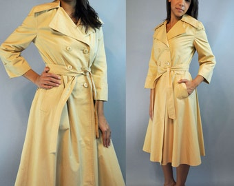 60s Vintage Trench Coat Double Breasted Womens Lightweight Beige Cinch Belt 3/4 Length Sleeves Womens Trenchcoat XS / S