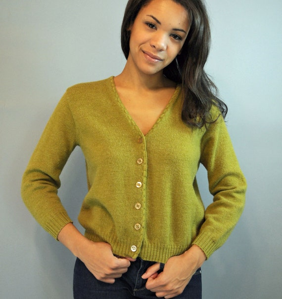 50s cardigan sweater / cropped WOOL SWEATER w/ 3/4 length sleeves xs/s extra small / small