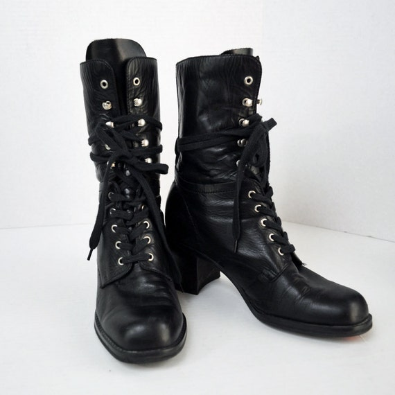 80s lace up ANKLE BOOTS / black Leather Hook & Eye Steampunk granny boots w/ chunky heels Size 7.5 M