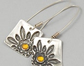 Silver Flower Earrings Squared with Sunny Citrine Gemstone