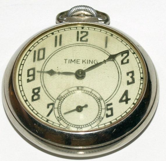Vintage Gentlemen's Pocket Watch -Runs Great -- Great Gift   L022