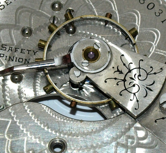 Steampunk Altered Art Silver colored Pocket Watch Movement Plate from c.1899 ))) Brooch (((     JJ323
