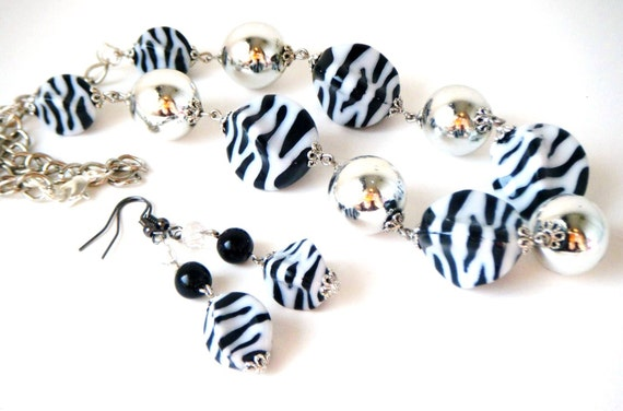 Zebra Necklace Set..........was 24 dollars........Free US shipping on orders over 25 dollars