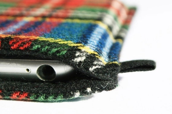 slim iPhone case in bright Tartan with black felt lining