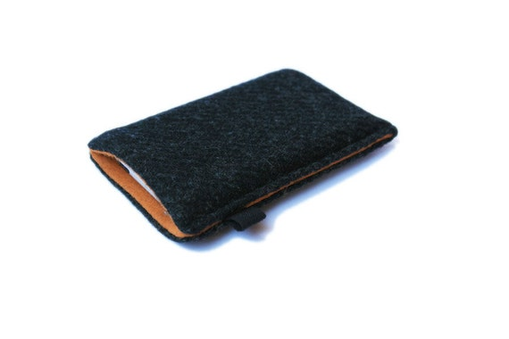 slim iPhone case in charcoal grey lambswool Tweed with caramel felt lining