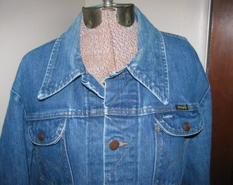 Vintage jean jacket - wrangler - fall fashion - unisex