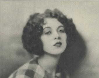 Rene Houston, Art Deco, Monochrome Portrait in Photogravure by Hugh Cecil, 1926, Book of Beauty