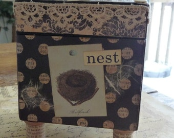 Inspire Vintage Collage Footed Decorative Box