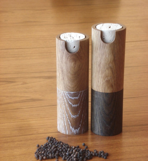 Peppermill and salt grinder white oak pepper mill