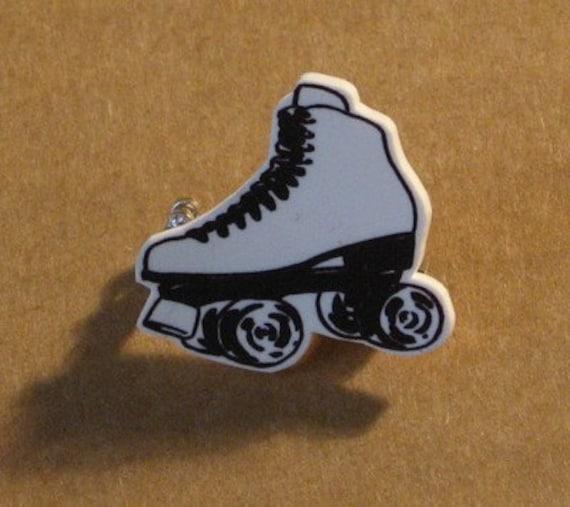Retro Rollerskate Brooch