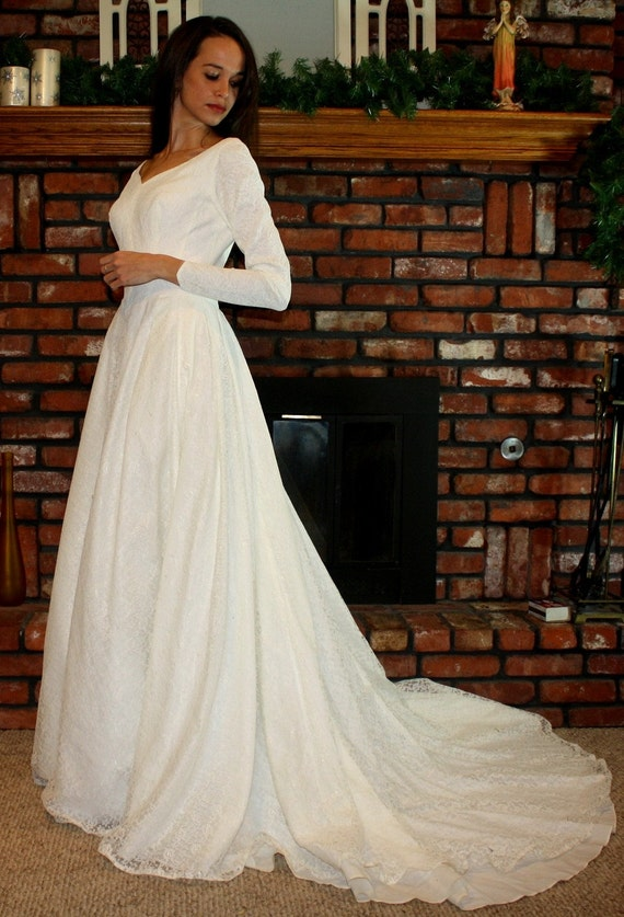 vintage wedding dress short gown pearl button white lace long sleeve low back flower size S XS 50s