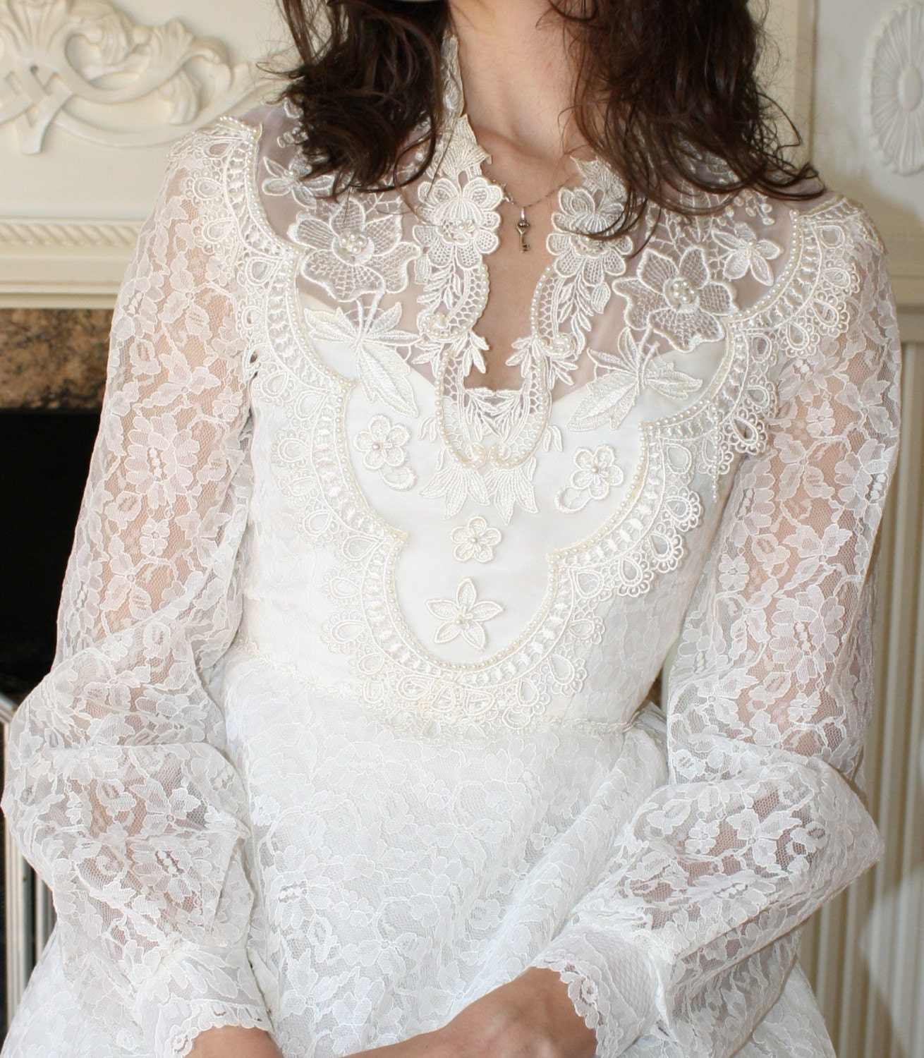 Vintage wedding dress gown PEARL white LACE Long sleeve flower