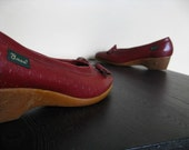 Maroon Bass Shoes With Tassels.  Size 7.5