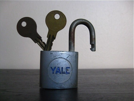 Industrial Chic.  Yale Lock in Original Box With Two Keys.
