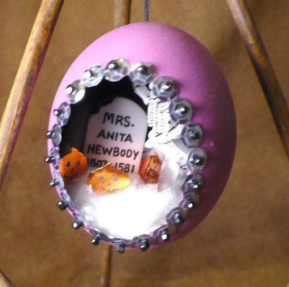 Graveyard Party Egg Ornament - Handmade Cemetery Scene Diorama Egg Halloween Decoration