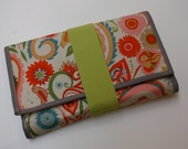 Wrap Wallet: Spring Green and Red Birds