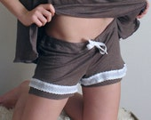 womens boxer shorts in linen knit with cotton cluny lace trim