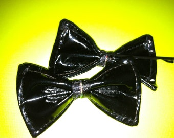 Pair of small Black pleather hairbows on bobby pins
