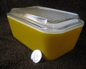 Vintage Pyrex Primary Colors Daisy Yellow Refrigerator Dish No. 502 / 1 1/2 Pt