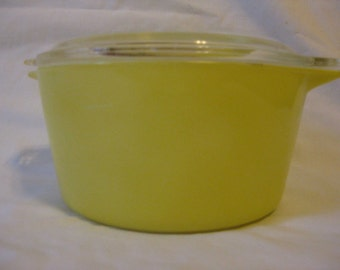 Vintage Pyrex Cinderella Casserole Primary Colors Yellow No 473 w\/Clear Lid