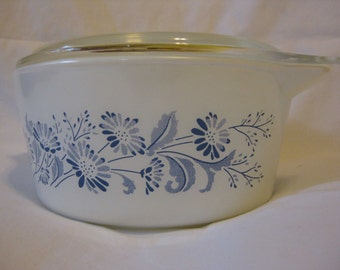 Vintage Pyrex Colonial Mist Cinderella Round Casserole with Lid No. 474-B 1.5 Liters