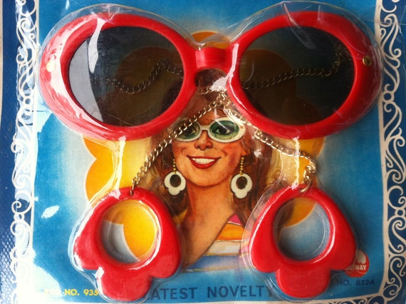 Mad Mod Twiggy Red  Sunglasses with Earrings