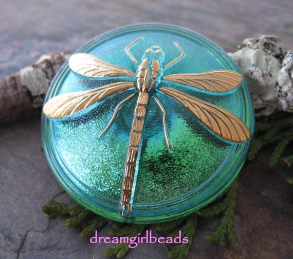 Exquisite 31mm Gold Dragonfly Button