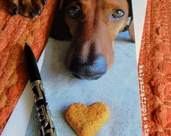 Soulful Eyes Dachshund Card  -Thinking of You Heart Snackie Flat Card