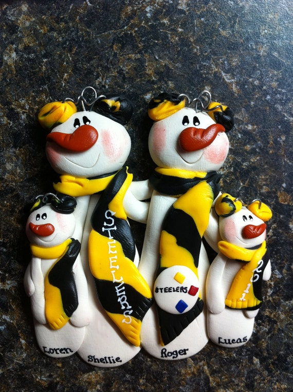 Items similar to Pittsburgh Steelers Family Christmas ...