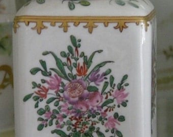 Beautiful Vintage Tea Caddy with Hand Painted Flowers