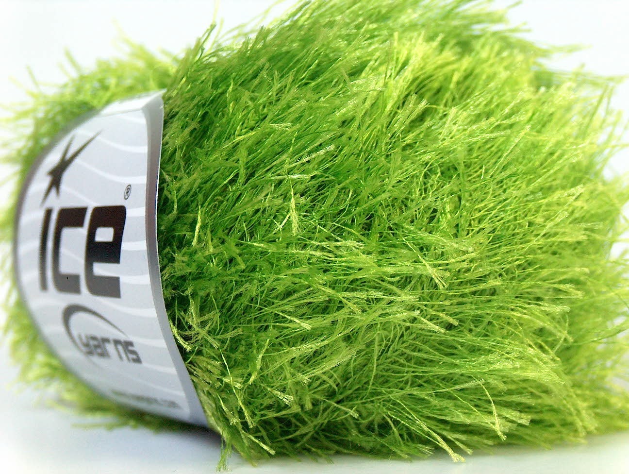 Eyelash Yarn : bright green eyelash yarn bulky chunky 50gr polyester by Yarniness