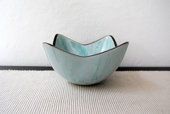 Modern Glossy Glaze Pottery Bowl (FEATURED on the FRONT PAGE of Etsy)