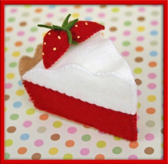 Wool Felt Play Food - Strawberry Meringue Pie