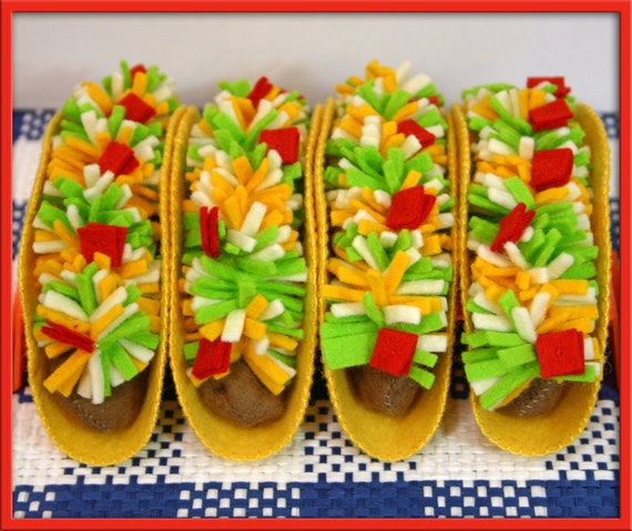 1 Felt Taco  - Natural Wool Play Food - Waldorf Inspired Play Kitchen Accessory for Imaginative Play