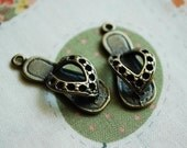 10 PCS Sandal brass charm - pendant - Antique looking