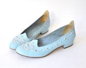 vintage 1960s shoes / leather / shoes size 5.5 / ballet flats / flats 5.5 / powder blue / mod shoes / designer couture / saks fifth avenue
