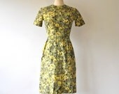 vintage dress / 60s dress / dress cotton / 1960s dress / olive green dress / 60s cotton dress / floral print dress / xs dress / small dress