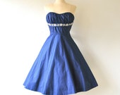 1950s dress / 1950s party dress / 50s cocktail dress / 1950s strapless dresses / navy blue dress / sweetheart dress / old hollywood / xs s