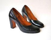 black heels / black shoes / vintage 1960s / mod shoes / high heels / pumps size 7