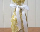 gift bag bottle wine: snowflake
