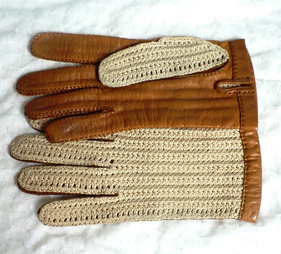 Men's English Leather Driving or Riding Gloves Hand stiched Calfskin and Crocheted Size S/M